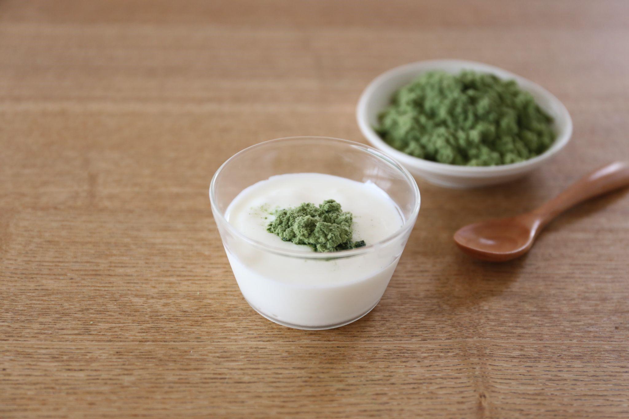 mugwort powder as a topping