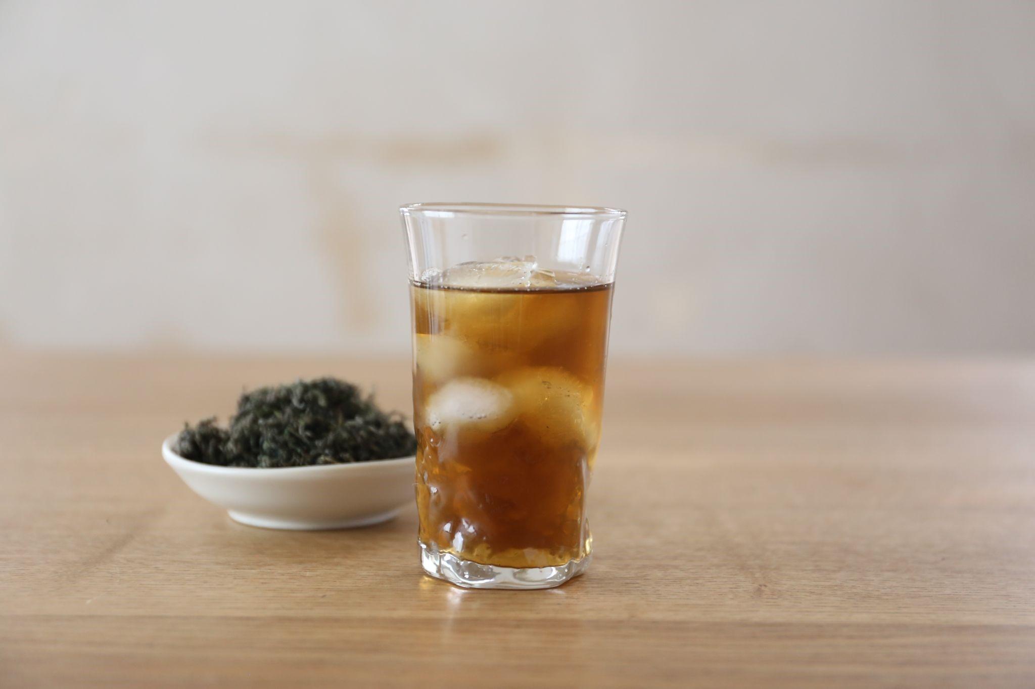 iced mugwort tea