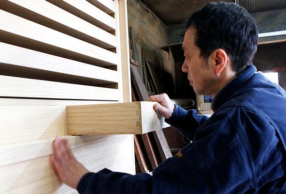伝統的な桐箪笥と現代的なデザイン