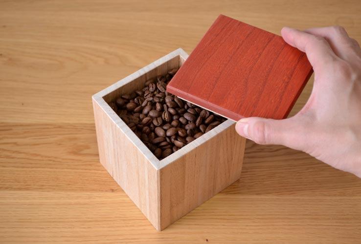 桐箪笥素材のコーヒーキャニスター
