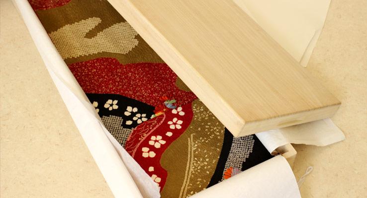 伝統的工芸品の加茂桐箪笥の老舗