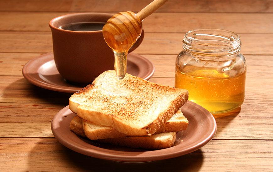 honey with bread toast