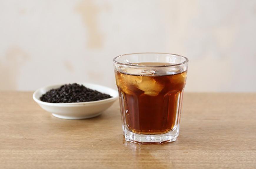 How to Drink Cold Dark Roast Brown Rice Tea