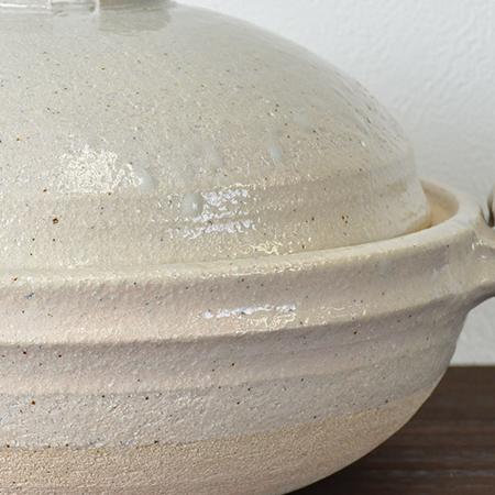 石灰釉の鍋