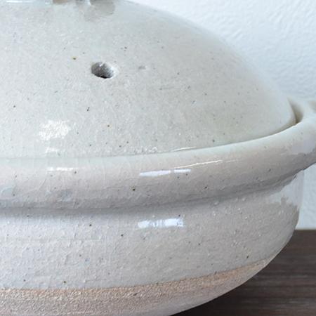 黒飴釉の鍋