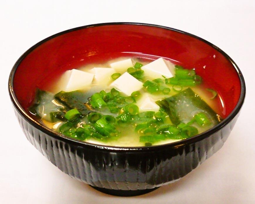 Wakame and Tofu Miso Soup