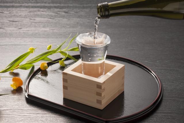 Sake Mokkiri Serving