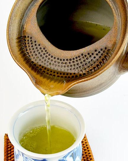 preparing_tea