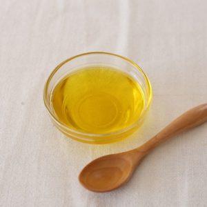 亜麻仁油の健康効果と副作用|えごま油との違いとは?ダイエットにも