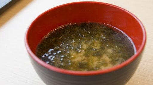 梅干し×野菜…梅干しと長芋の味噌汁